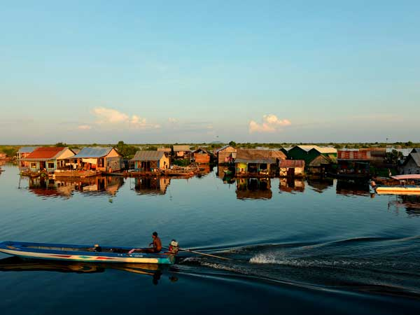 Tonle Sap Lake (Floating Villages)